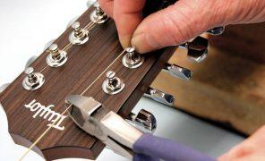 راهنمای گام به گام تعویض سیم گیتار